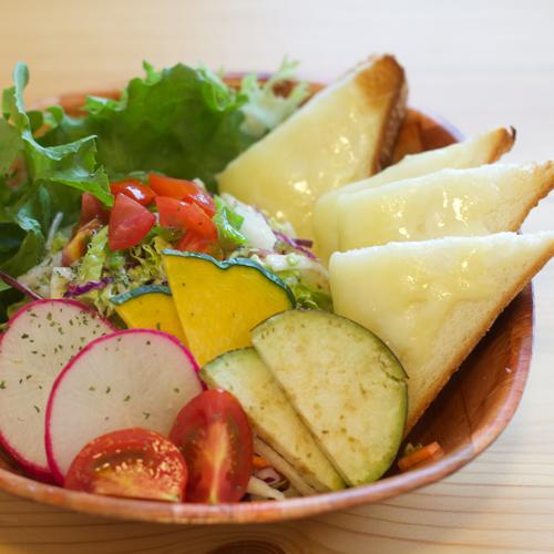 サラダパンセット画像
